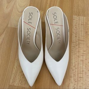 Sole Society Cream White V Cut Mule Heels - 6.5